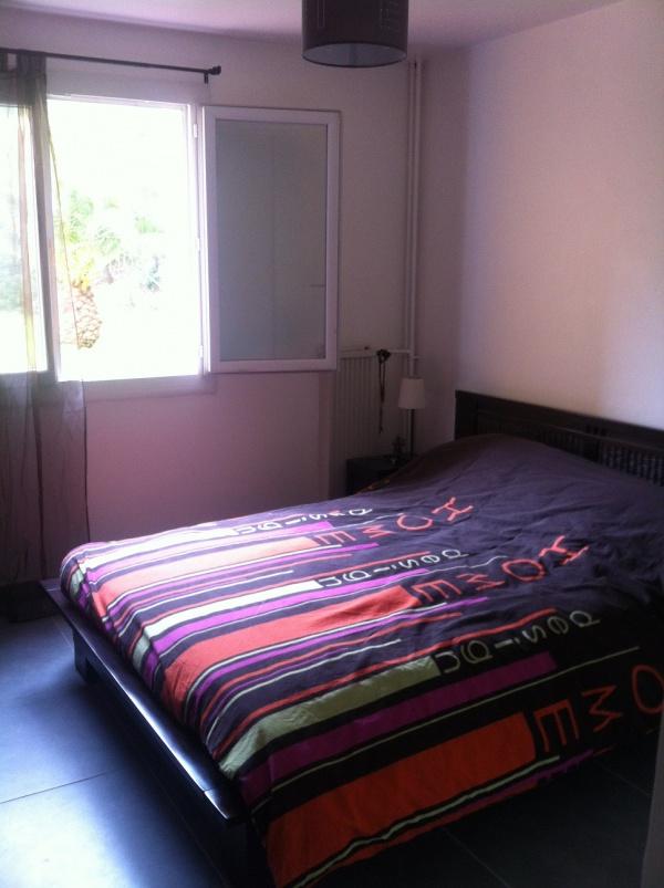 echange appartement hyeres france ref 8548. Black Bedroom Furniture Sets. Home Design Ideas